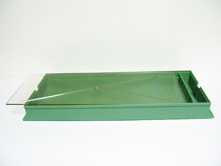 Кормушка потолочная, пластмассовая 2,5 л.